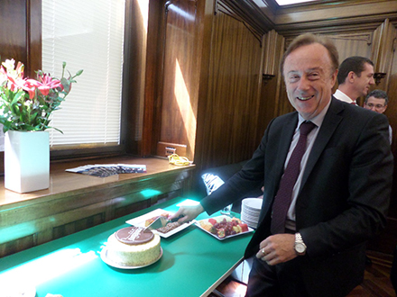 Photo of Ian Knight at his 20th anniversary as Crown Solicitor